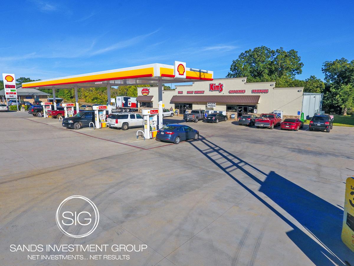 Kim's Convenience Store   Frankston, TX