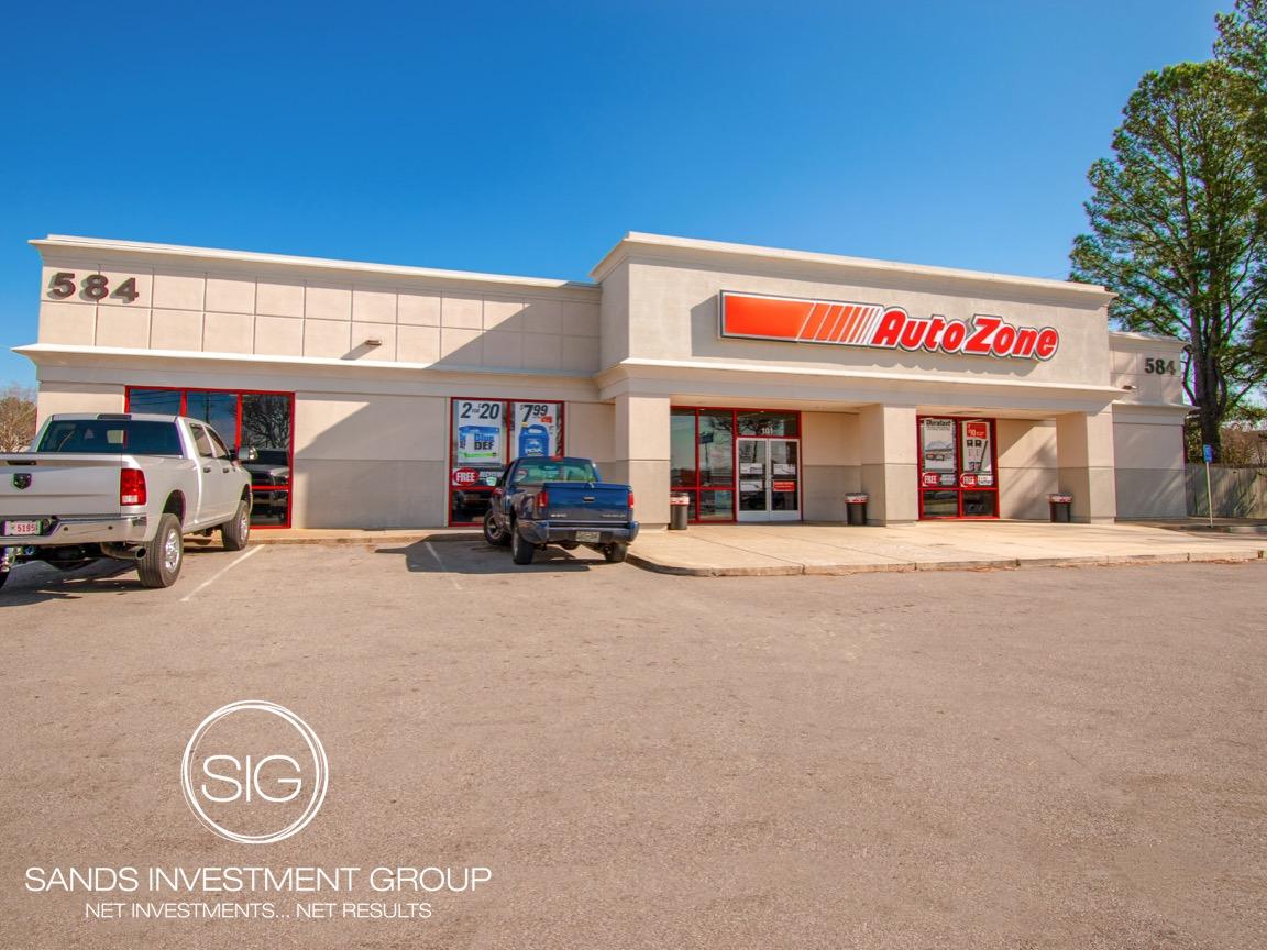 AutoZone Anchored Center   Cordova, TN