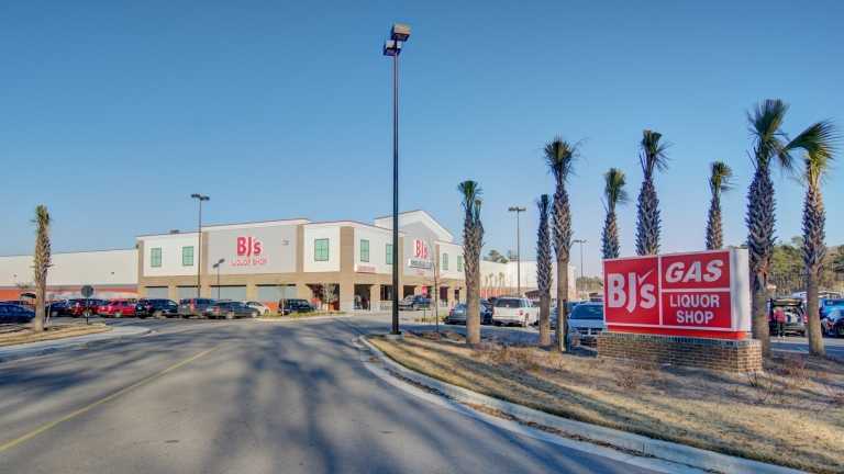 SIG Handles New Loan for Recurring Client on Triple Net Big Box Retail Location in South Carolina