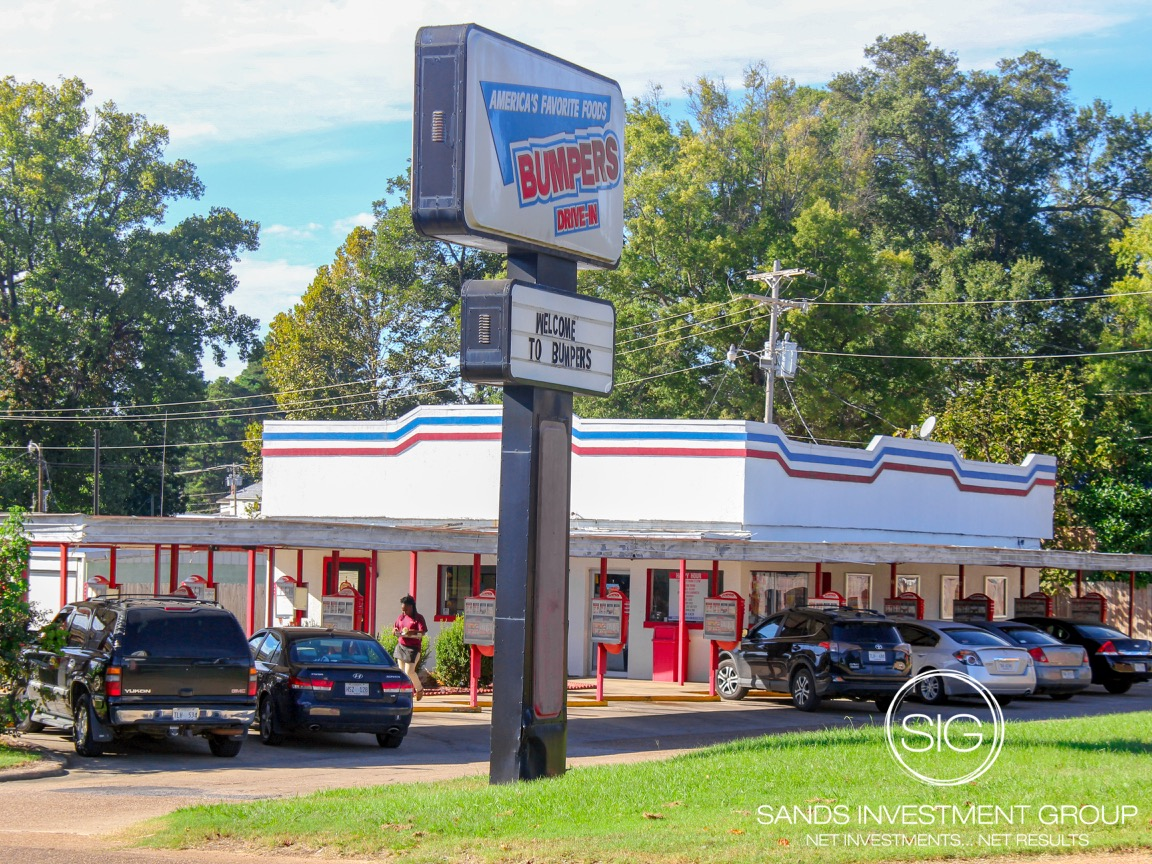 Bumpers Drive-In | Macon, MS