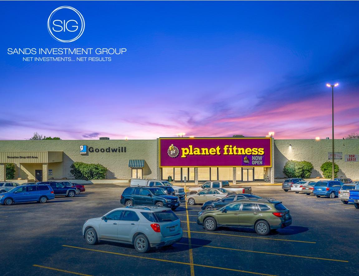 Goodwill & Planet Fitness | Pekin, IL