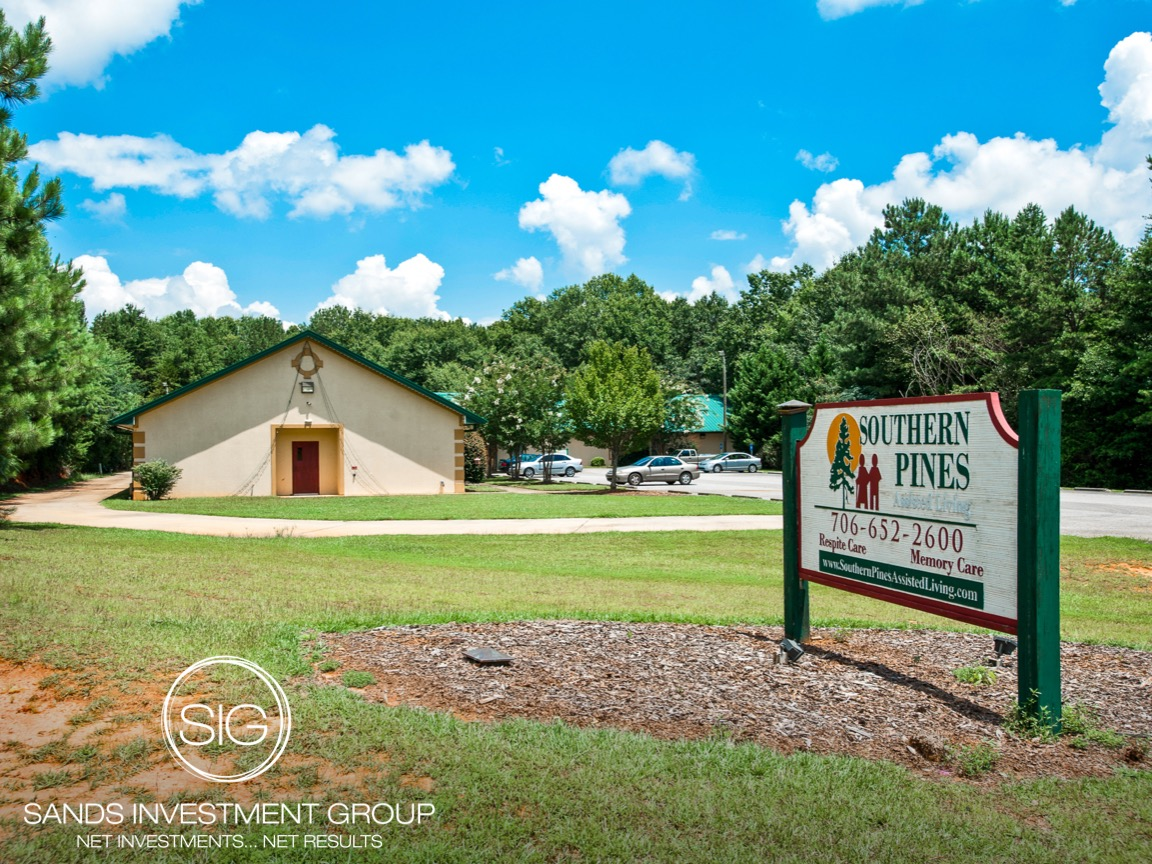 Pines Living Center | Maysville, GA