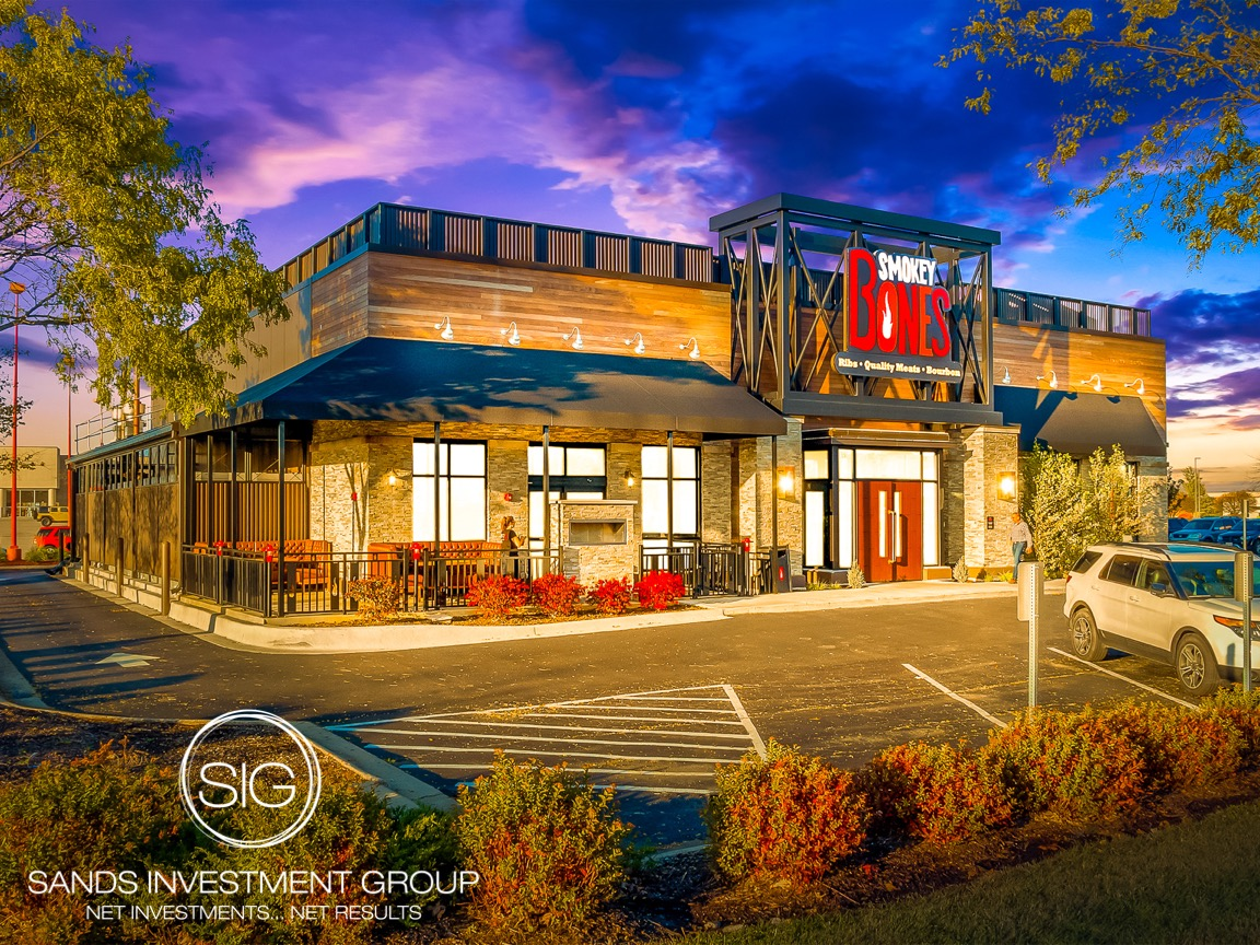Smokey Bones Bar & Fire Grill   Rockford, IL