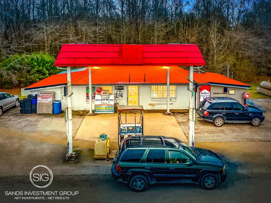 Convenience Store   Trezevant, TN