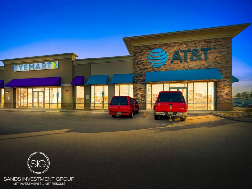 AT&T & Eyemart Express Strip Center | Marion, IL