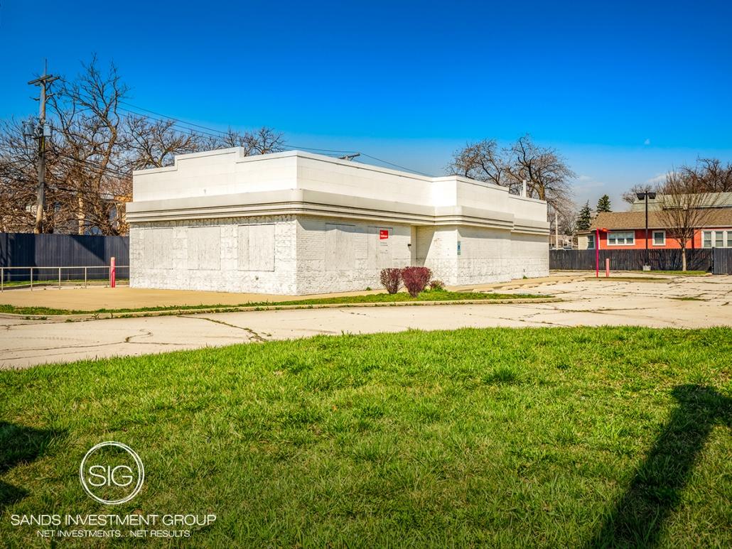 Checkers (Dark)   Maywood, IL