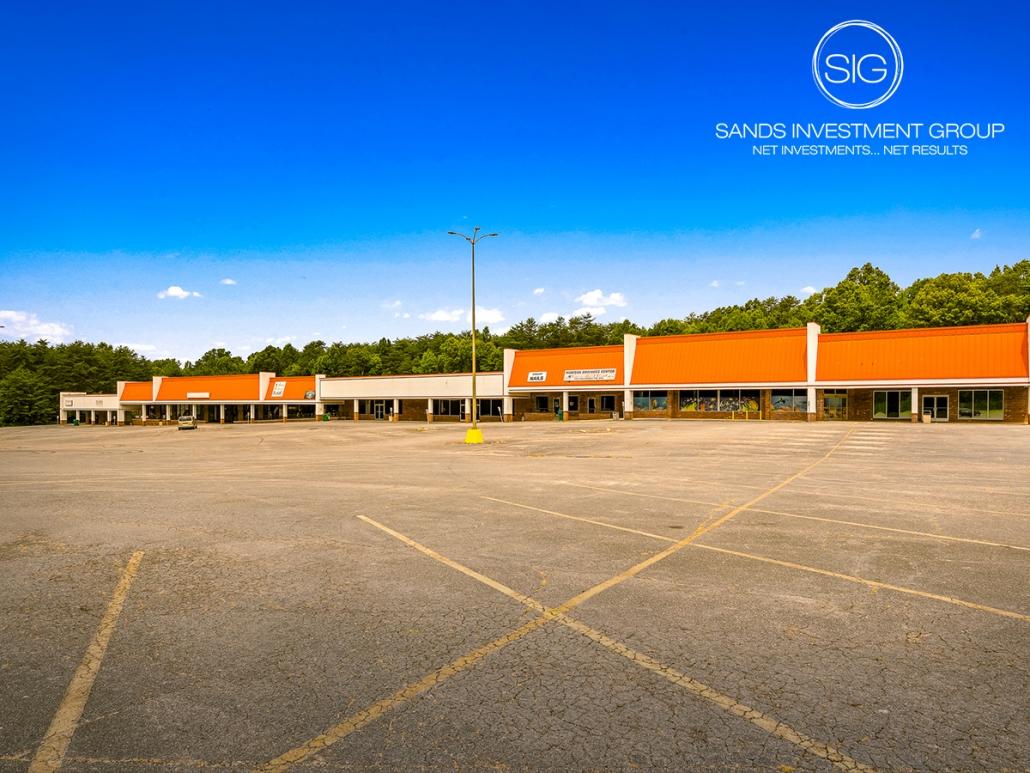 Rockingham Square Shopping Center | Madison, NC