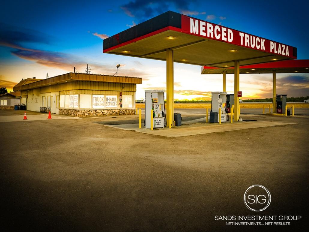 Truck Stop   Le Grand, CA